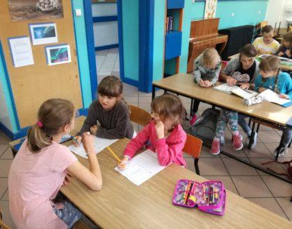 Pomagamy odrabiać lekcje
