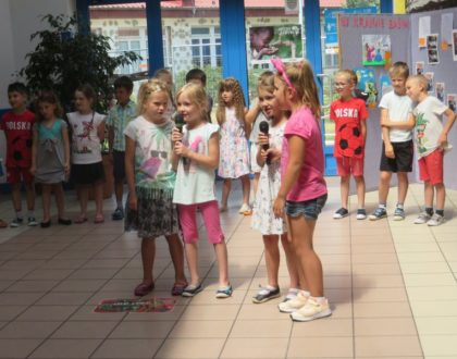 """Podziękowanie od oddziałów przedszkolnych dla klas VI za udział w akcji """"Starsi bawią się z młodszymi"""""""