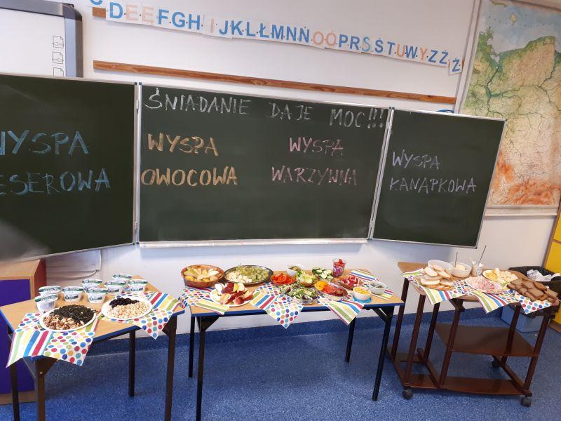 Śniadanie daje moc w Szkole Podstawowej  nr 1  w Piastowie