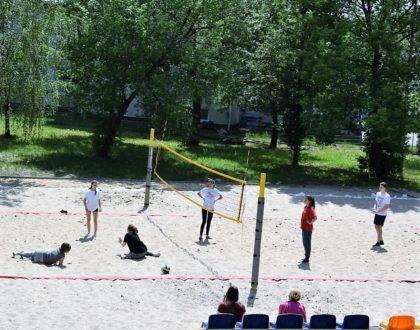 Zaproszenie na boisko plażowe