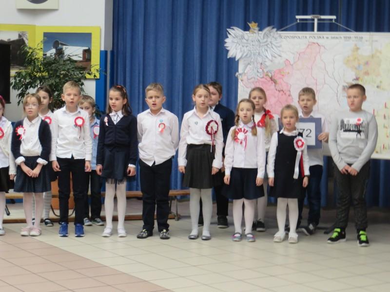 Apel z okazji Święta Niepodległości - kl. 0 -III