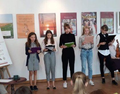 """Udział uczniów SP1 w """"Narodowym czytaniu"""""""